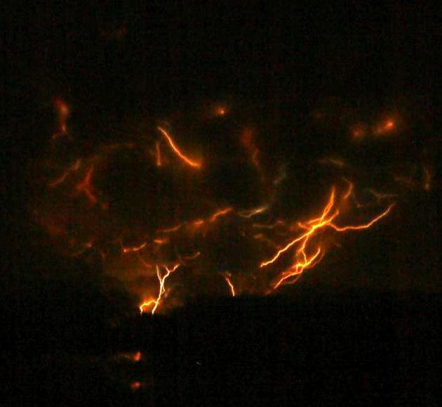 dirty-lightning-alaska