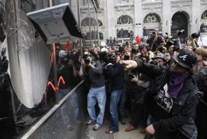 g20-protestor-cameras