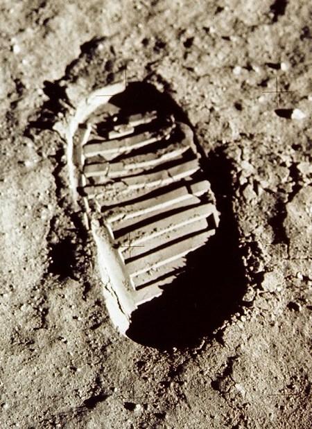 moon-footprint